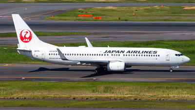 A picture of JA318J - Boeing 737846 - Japan Airlines - © LUSU