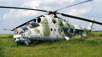 0140 - Mil Mi-24D Hind D - Czech Republic - Air Force