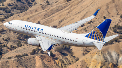 A picture of N13718 - Boeing 737724 - United Airlines - © Watts Brooks