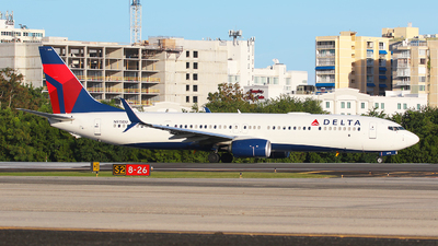 A picture of N915DU - Boeing 737932(ER) - Delta Air Lines - © Angel Natal