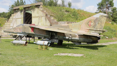 720 - Mikoyan-Gurevich MiG-23BN Flogger H - German Democratic Republic - Air Force