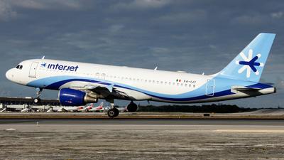 XA-IJT - Airbus A320-214 - Interjet
