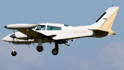 VH-ZIH - Cessna 310R - Private