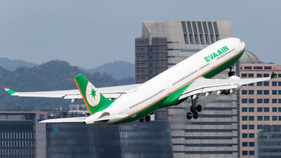 A picture of B16336 - Airbus A330302 - EVA Air - © YIFENG SHEN