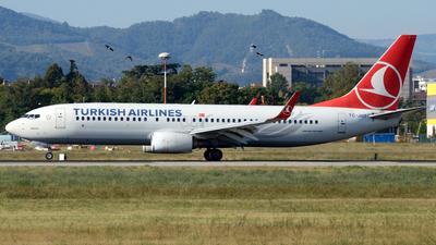 A picture of TCJHT - Boeing 7378F2 - Turkish Airlines - © Donato Bolelli