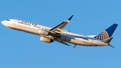 A picture of N37437 - Boeing 737924(ER) - United Airlines - © Ricky Teteris