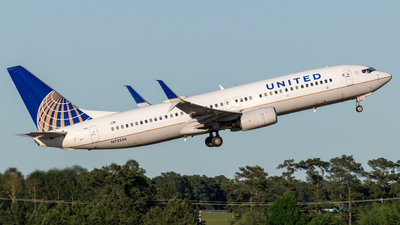 N73256 - Boeing 737-824 - United Airlines