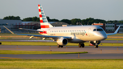 A picture of N288NN - Embraer E175LR - American Airlines - © Steve Rinde