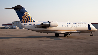 A picture of N461AW - Mitsubishi CRJ200LR - United Airlines - © steve