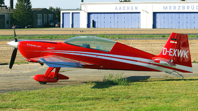 D-EXWK - Extra 330LX - Private