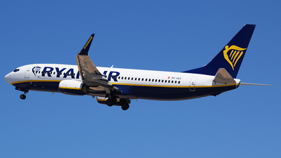 A picture of 9HQAV - Boeing 7378AS - Ryanair - © John Fitzpatrick