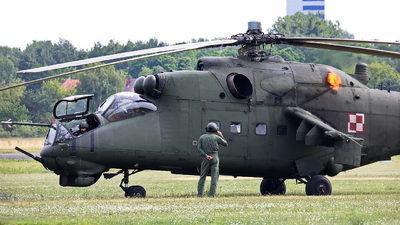 736 - Mil Mi-24V Hind E - Poland - Air Force