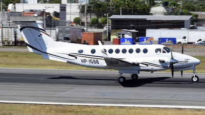 HP-1588 - Beechcraft B300 King Air 350 - Private
