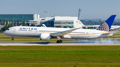 A picture of N38955 - Boeing 7879 Dreamliner - United Airlines - © Simi