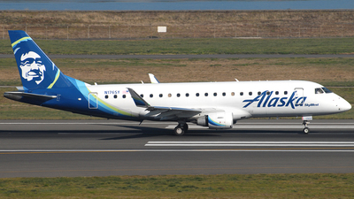 A picture of N176SY - Embraer E175LR - Alaska Airlines - © Jason Whitebird