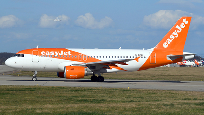 A picture of GEZBI - Airbus A319111 - easyJet - © Paul Denton