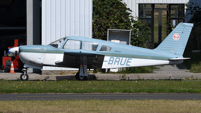 A picture of FBRUE - Piper PA28R200 - [28R35364] - © bruno muthelet