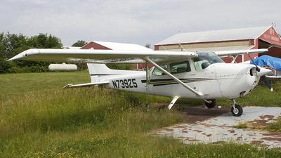 A picture of N73925 - Cessna 172N Skyhawk - [17267749] - © Jeremy D. Dando