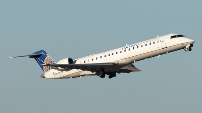 A picture of N784SK - Mitsubishi CRJ701ER - United Airlines - © Yixin Chen