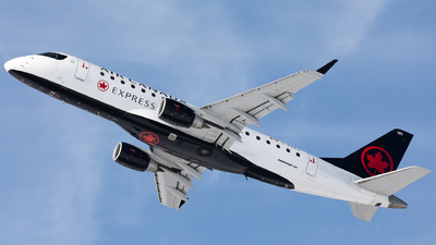 A picture of CFEKJ - Embraer E175SU - Air Canada - © Hongyu Wang