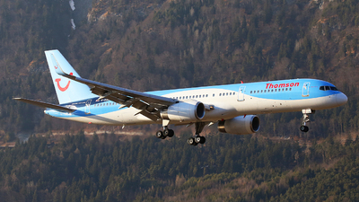 G-OOBB - Boeing 757-28A - Thomson Airways