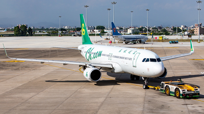 A picture of B8872 - Airbus A320214 - Spring Airlines - © Yan Shuai