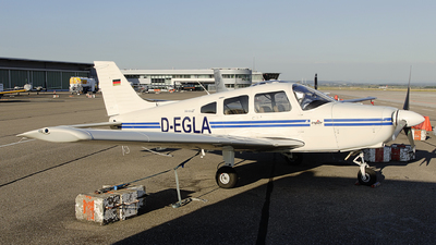 D-EGLA - Piper PA-28-161 Warrior III - Private