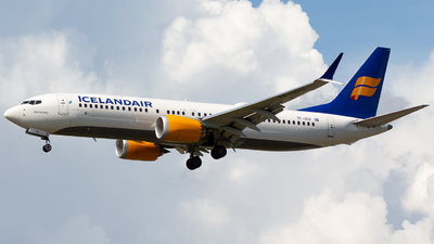 A picture of TFICU - Boeing 737 MAX 8 - Icelandair - © Andre_S
