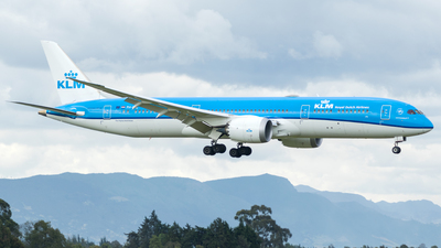 A picture of PHBHL - Boeing 7879 Dreamliner - KLM - © Miguel Coral