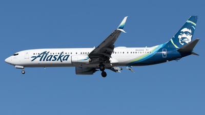 A picture of N442AS - Boeing 737990(ER) - Alaska Airlines - © Yixin Chen