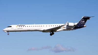A picture of DACNT - Mitsubishi CRJ900LR - Lufthansa - © David John Dillon