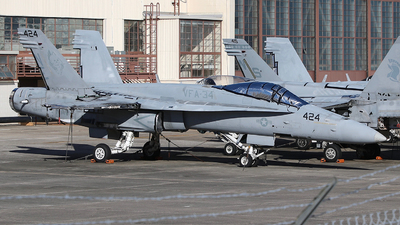 164658 - McDonnell Douglas F/A-18C Hornet - United States - US Navy (USN)