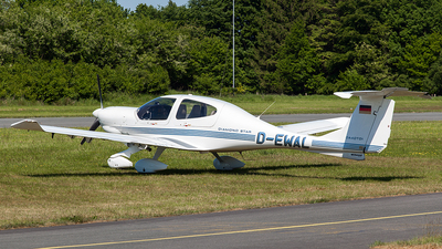 D-EWAL - Diamond DA-40D Diamond Star TDI - Private