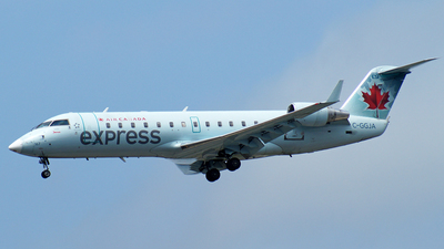 C-GGJA - Bombardier CRJ-200ER - Air Canada Express (Jazz Aviation)