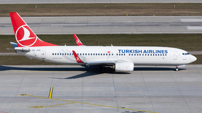 A picture of TCJHS - Boeing 7378F2 - Turkish Airlines - © John Richard