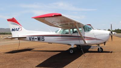 A picture of VHMIS - Cessna 172N Skyhawk - [17268082] - © JulietWhiskey