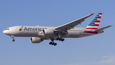 N761AJ - Boeing 777-223(ER) - American Airlines