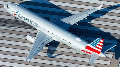 N135NN - Airbus A321-231 - American Airlines