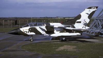 ZA401 - Panavia Tornado GR.1A - United Kingdom - Royal Air Force (RAF)