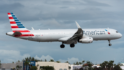 N907AA - Airbus A321-231 - American Airlines