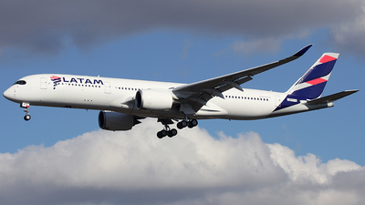F-WZFN - Airbus A350-941 - LATAM Airlines