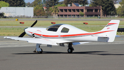 N371 - Lancair 320 - Private