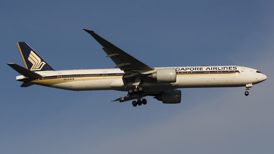 A picture of 9VSWW - Boeing 777312(ER) - Singapore Airlines - © Adrian Daileg