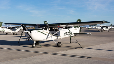 A picture of N571ND - Cessna 172S Skyhawk SP -  - © JingChen_AC