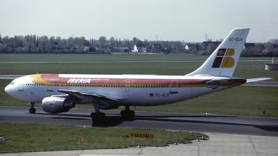 EC-DLG - Airbus A300B4-120 - Iberia