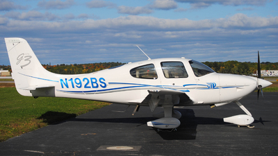 A picture of N192BS - Cirrus SR22 - [2753] - © Tyler Robbins
