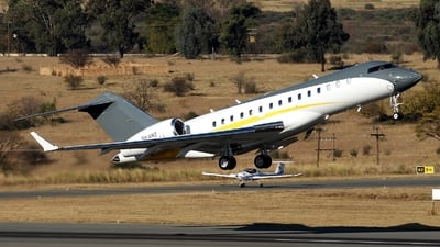 9H-AMZ - Bombardier BD-700-1A10 Global 6000 - Comlux Aviation Malta