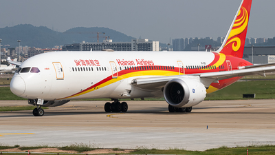 A picture of B1132 - Boeing 7879 Dreamliner - Hainan Airlines - © Leng Hao