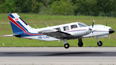 A picture of HBLSD - Piper PA34200T Seneca II - [] - © n94504