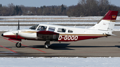 D-GOOO - Piper PA-34-200T Seneca II - Private